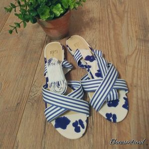 NWOT Cabi Watercolor Tied Up Sandals Blue/White